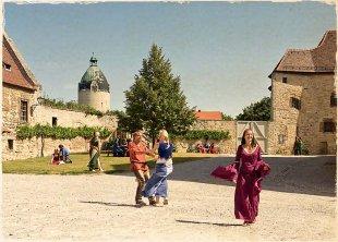 Burghof_Schloss_Neuenburg